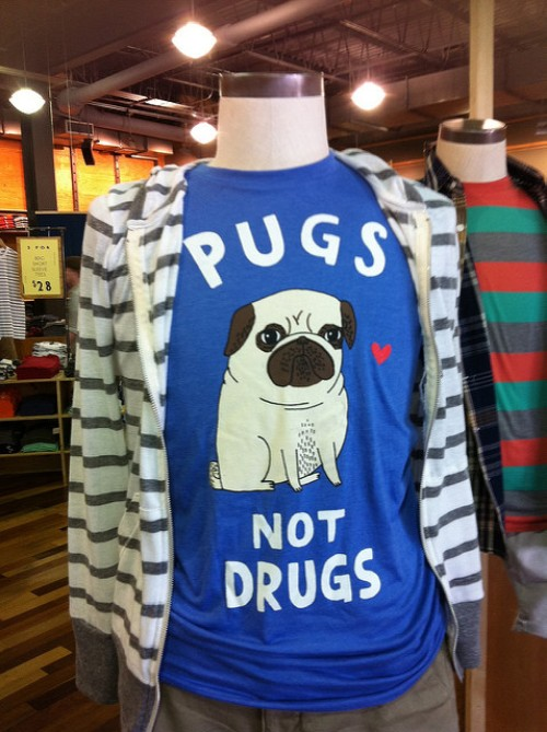 10 things not to take travelling - an anti-drugs t-shirt