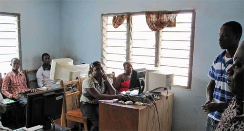 Empowering slum dwellers in Ghana - a Kaya volunteer project