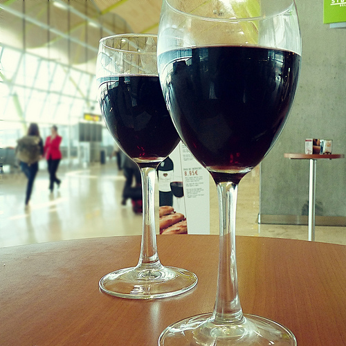 Games to play in airports - red wine glasses