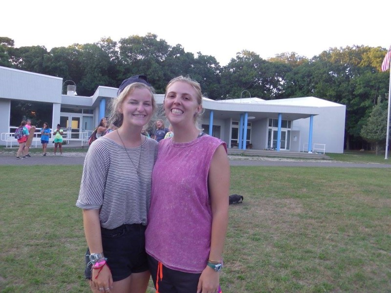 Sophie Hollis and her girlfriend Jo who met on Summer Camp USA with BUNAC