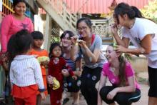 Projects Abroad volunteer with children in Cambodia